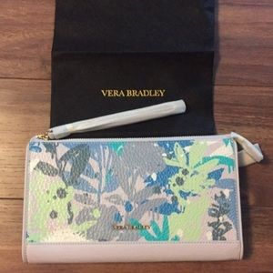 NWT Vera Bradley Leather Anna Wristlet + Dust Bag